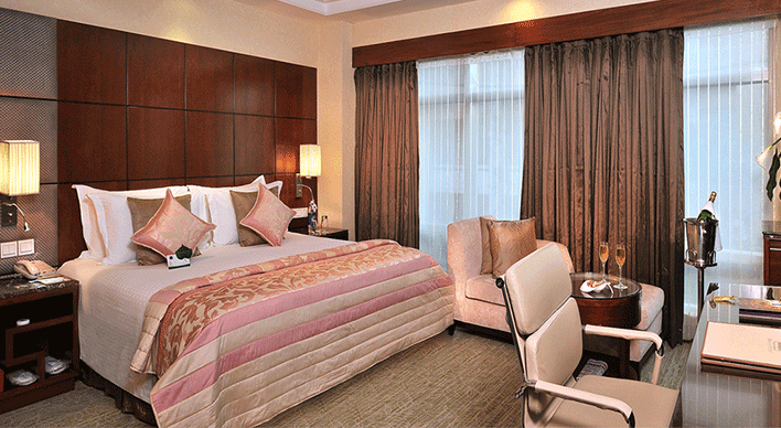 Sky City Hotel - Rooms & Suites with Modern Amenities